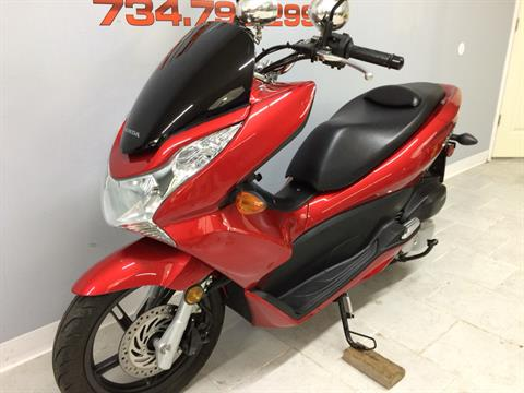2013 Honda PCX150 in Belleville, Michigan - Photo 10