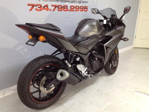 2016 Yamaha YZF-R3 in Belleville, Michigan - Photo 5