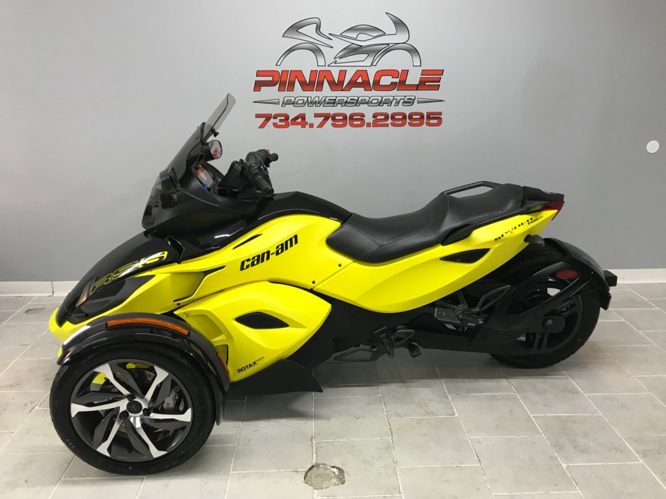 2014 Can-Am™ Spyder RS-S SM5 10