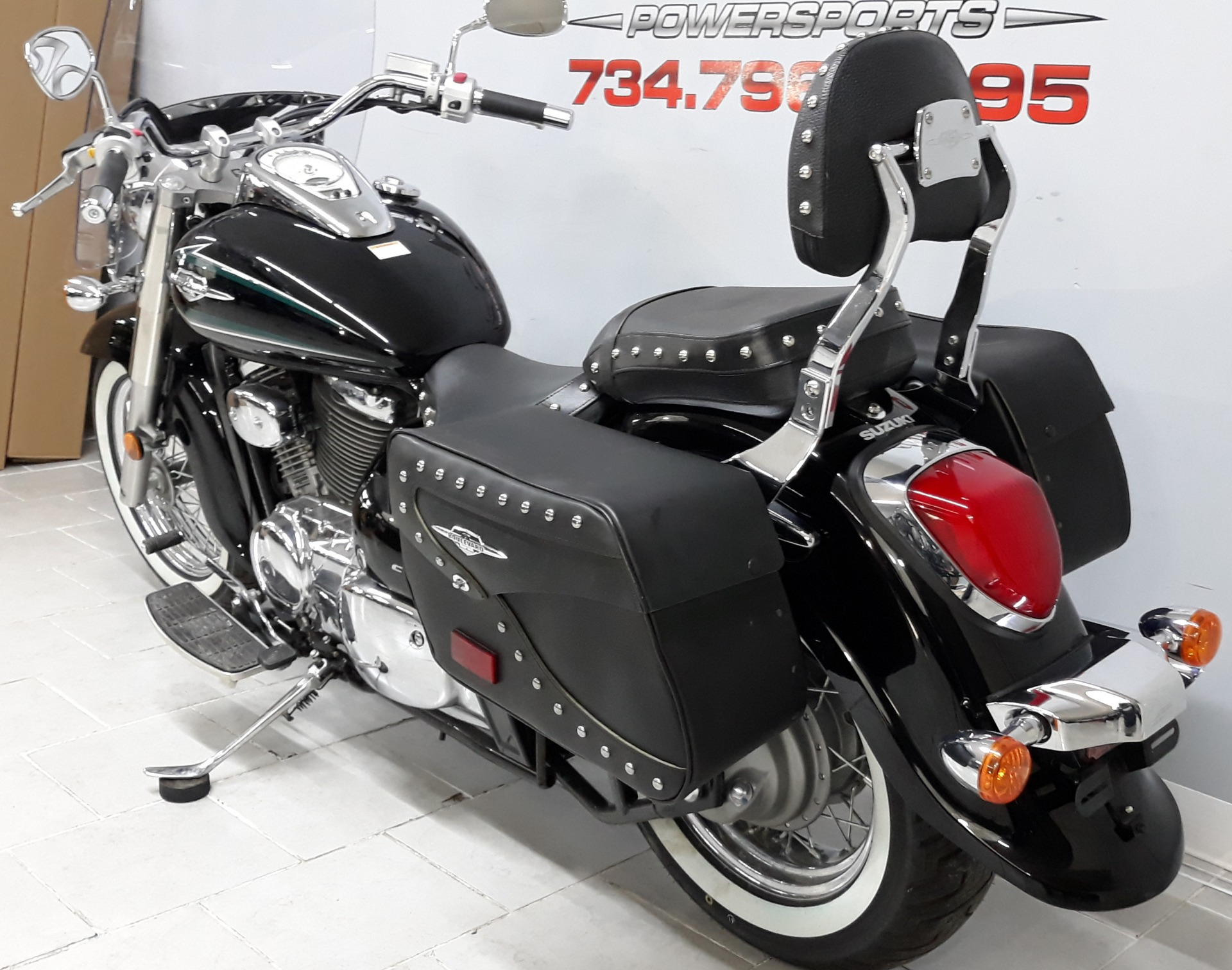2017 Suzuki Boulevard C50T in Belleville, Michigan - Photo 10