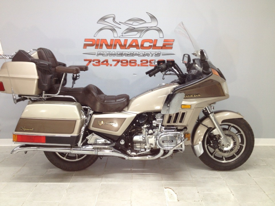 1985 Honda GOLD WING in Belleville, Michigan - Photo 1