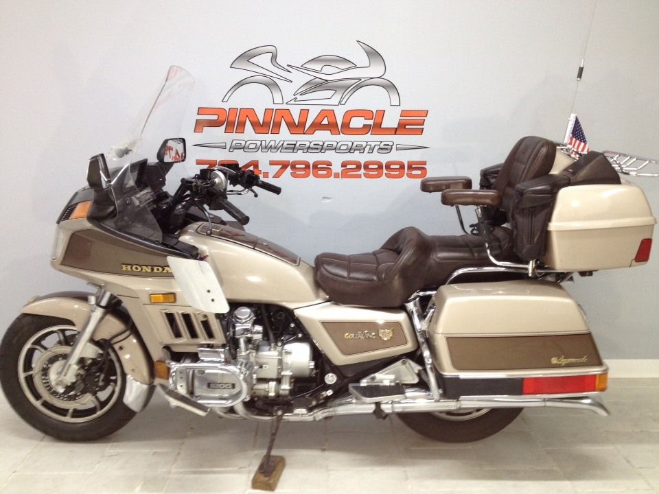 1985 Honda GOLD WING in Belleville, Michigan - Photo 9
