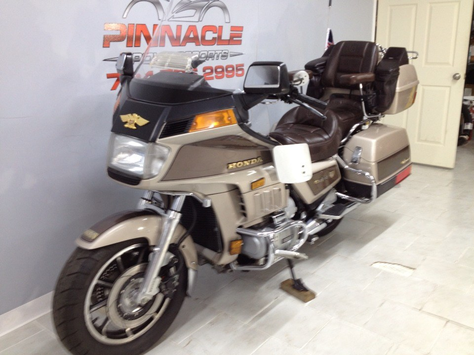 1985 Honda GOLD WING in Belleville, Michigan - Photo 8