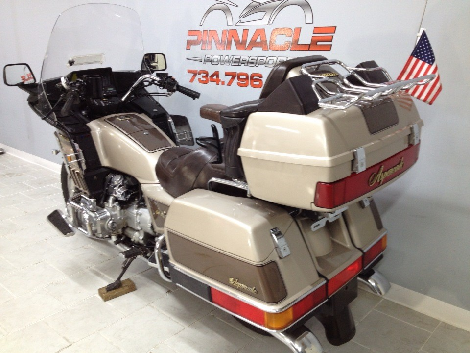 1985 Honda GOLD WING in Belleville, Michigan - Photo 12