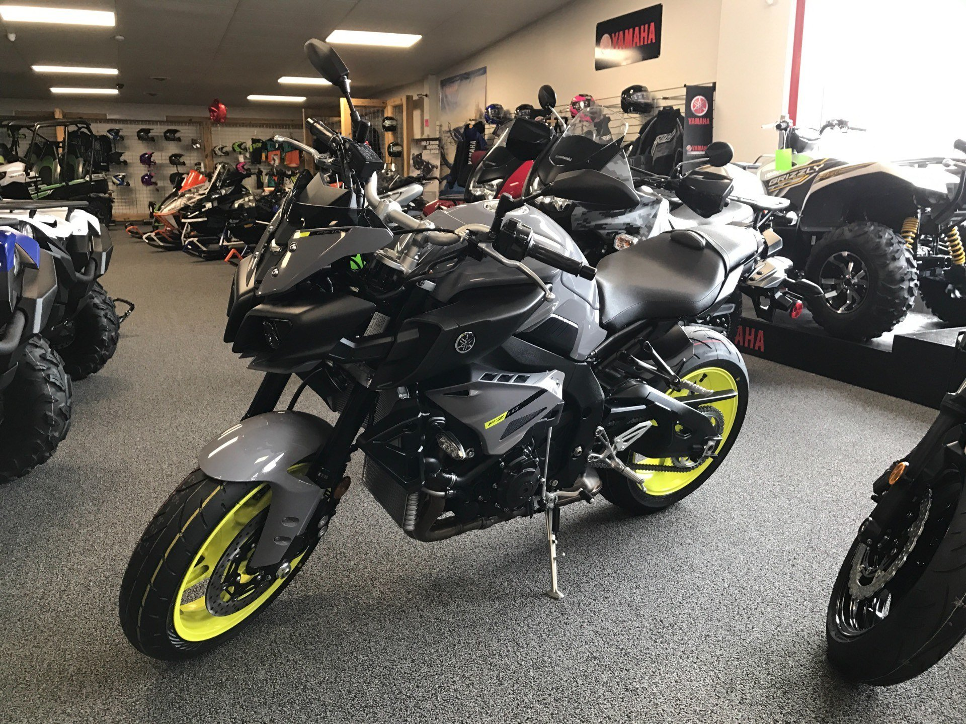 2017 Yamaha FZ-10 in Honesdale, Pennsylvania