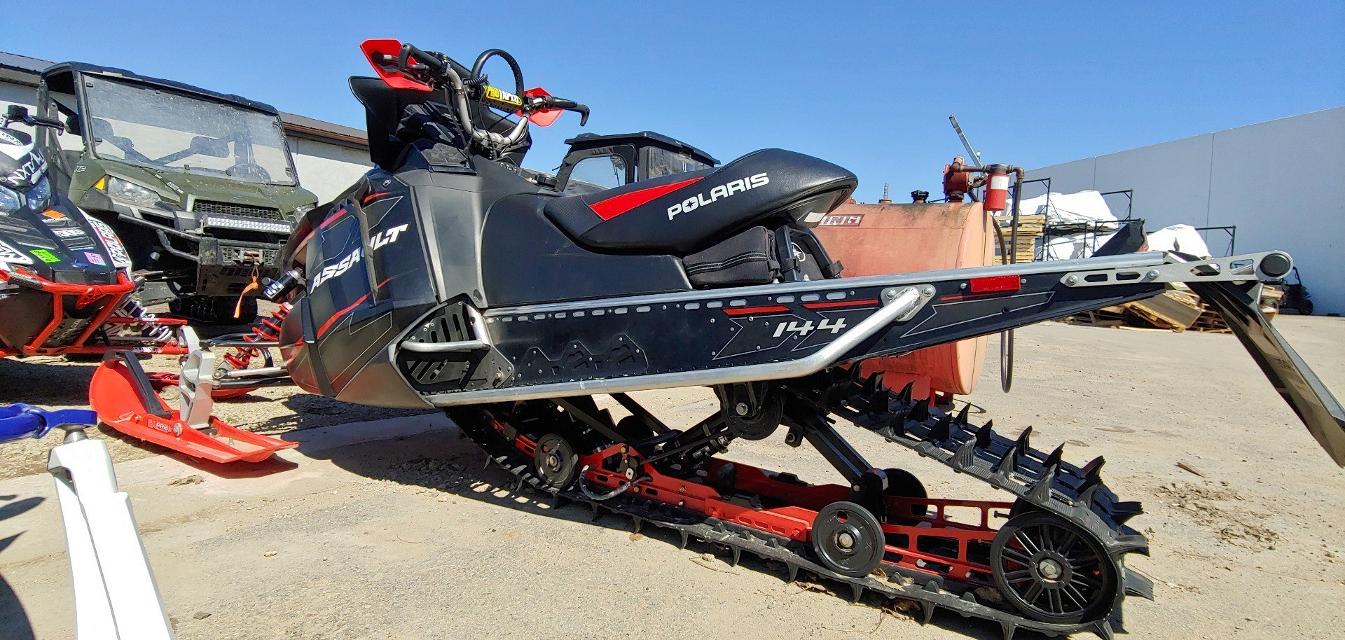 2015 Polaris 800 Switchback Assault 144 SC in Dimondale, Michigan - Photo 1