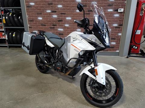 2015 KTM 1290 Super Adventure in Dimondale, Michigan - Photo 2