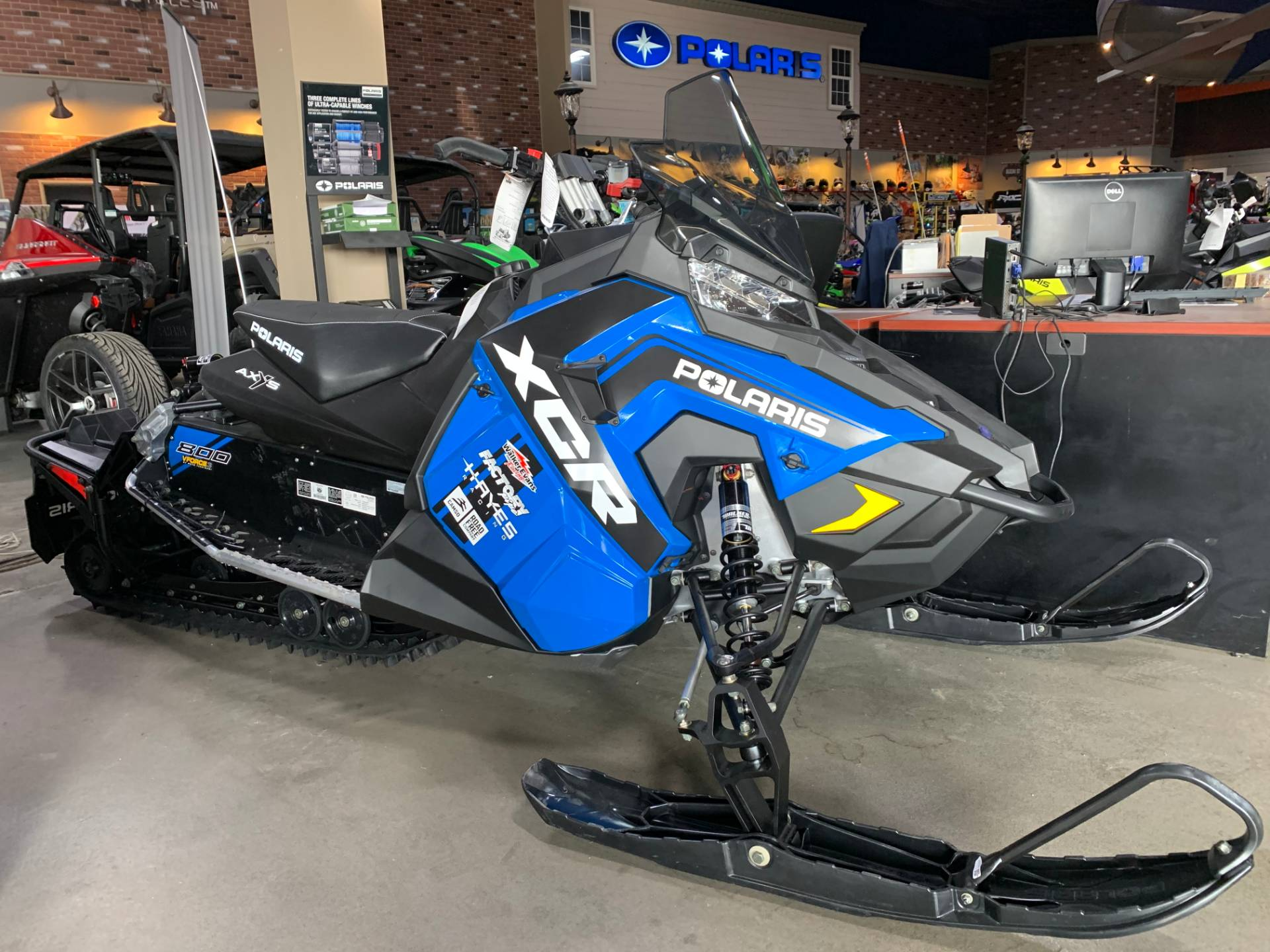 2018 Polaris 800 Switchback XCR ES 2