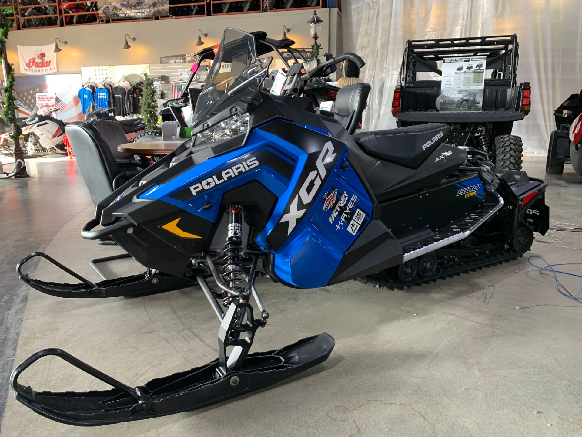 2018 Polaris 800 Switchback XCR ES 1