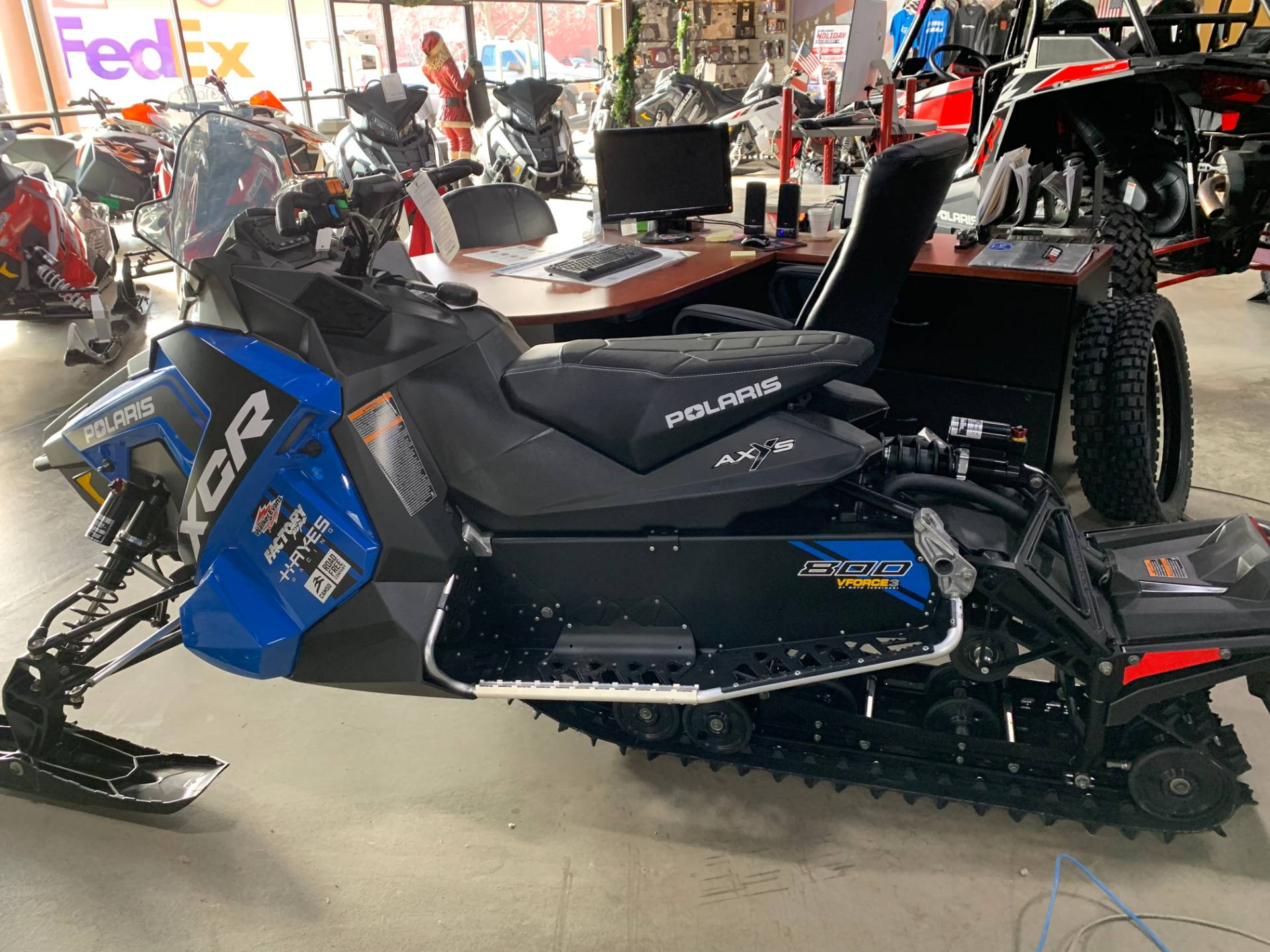 2018 Polaris 800 Switchback XCR ES 3