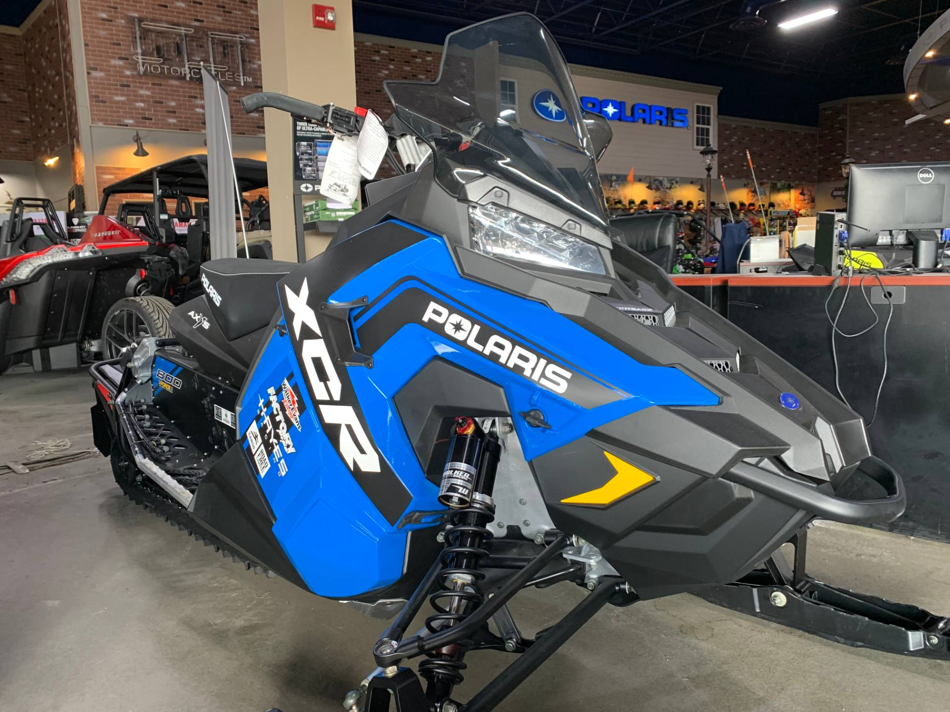 2018 Polaris 800 Switchback XCR ES 5