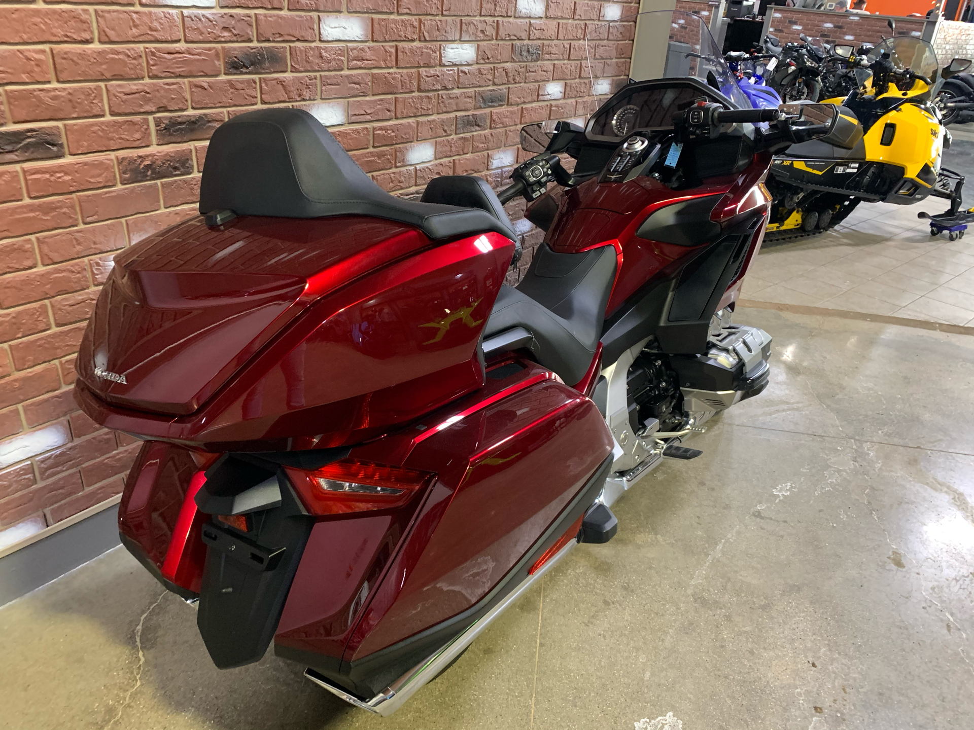 2018 Honda Gold Wing Tour in Dimondale, Michigan - Photo 3