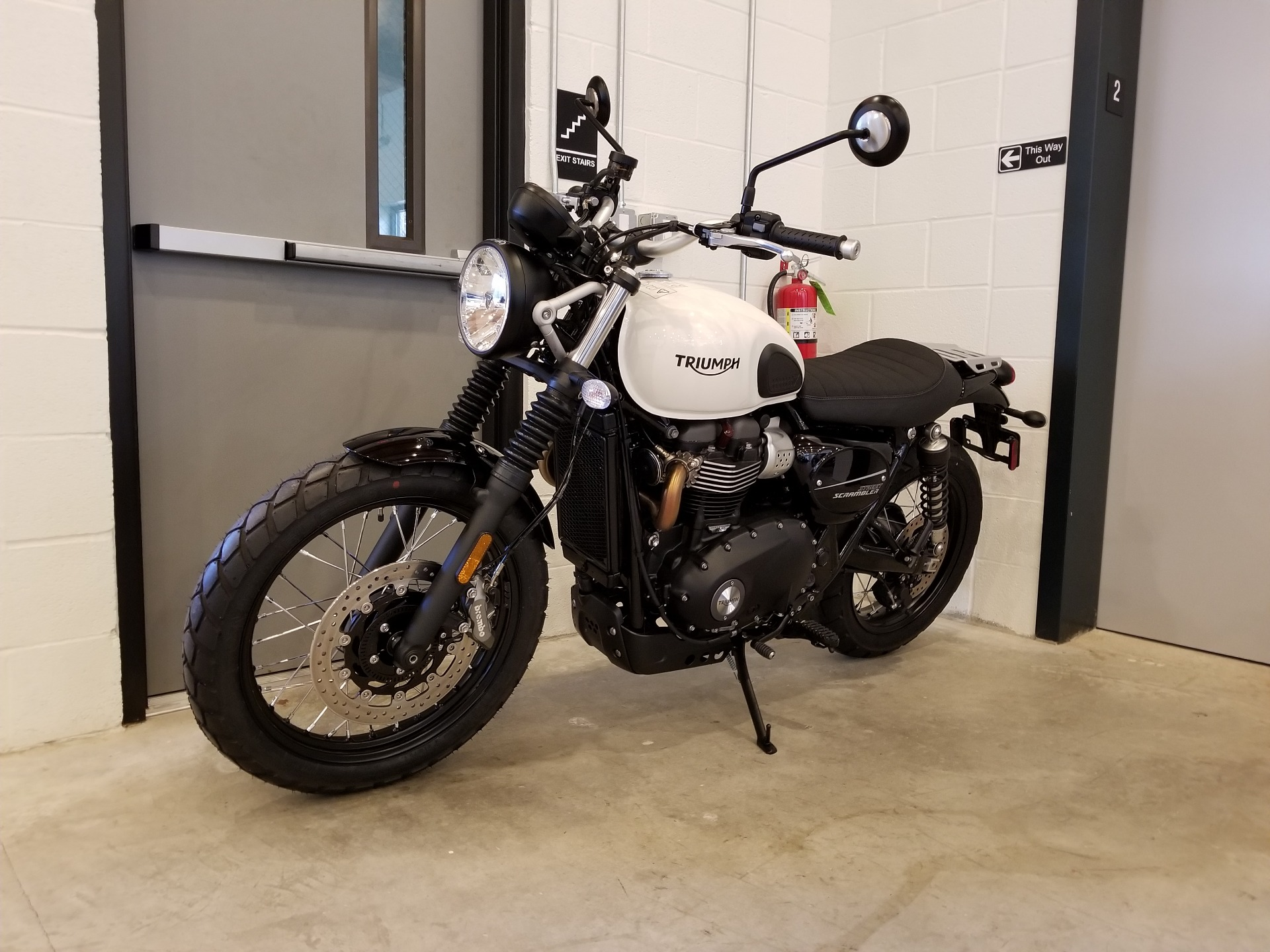 2019 Triumph Street Scrambler 900 in Port Clinton, Pennsylvania - Photo 5