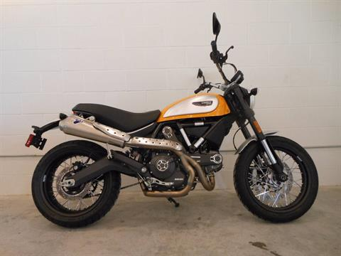 2015 Ducati Scrambler Icon in Port Clinton, Pennsylvania