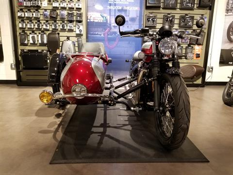 2018 Triumph Bonneville Bobber in Port Clinton, Pennsylvania