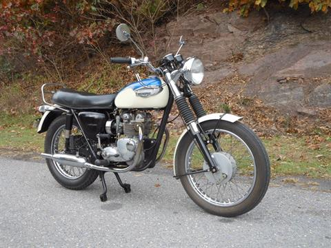 1967 Triumph T-100 Tiger in Port Clinton, Pennsylvania