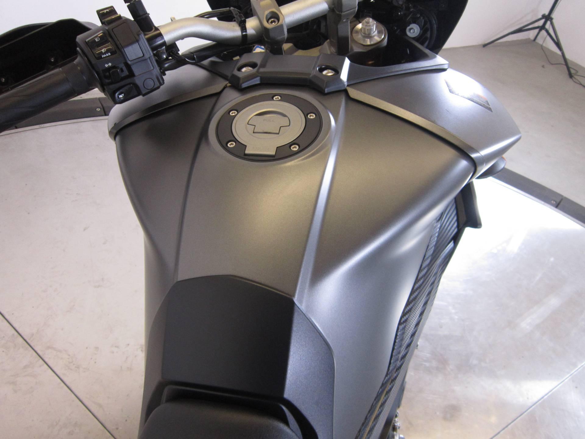 2015 Yamaha FJ-09 11