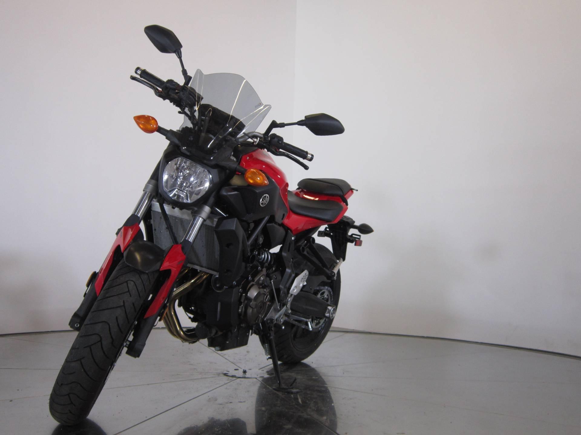 2017 Yamaha FZ-07 4