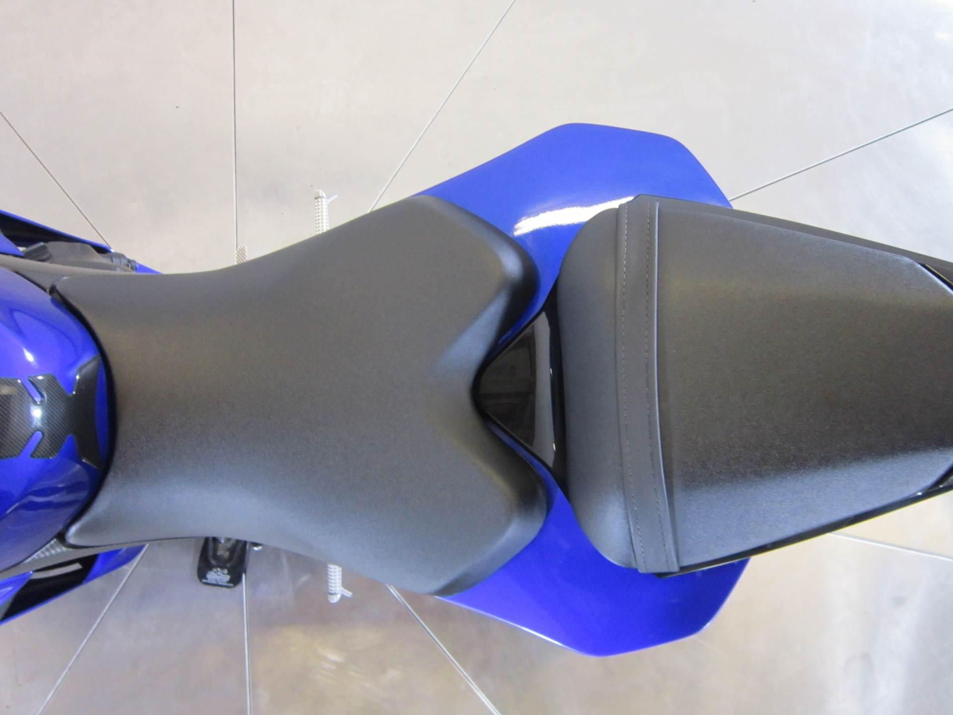 2009 Yamaha YZF-R6 11