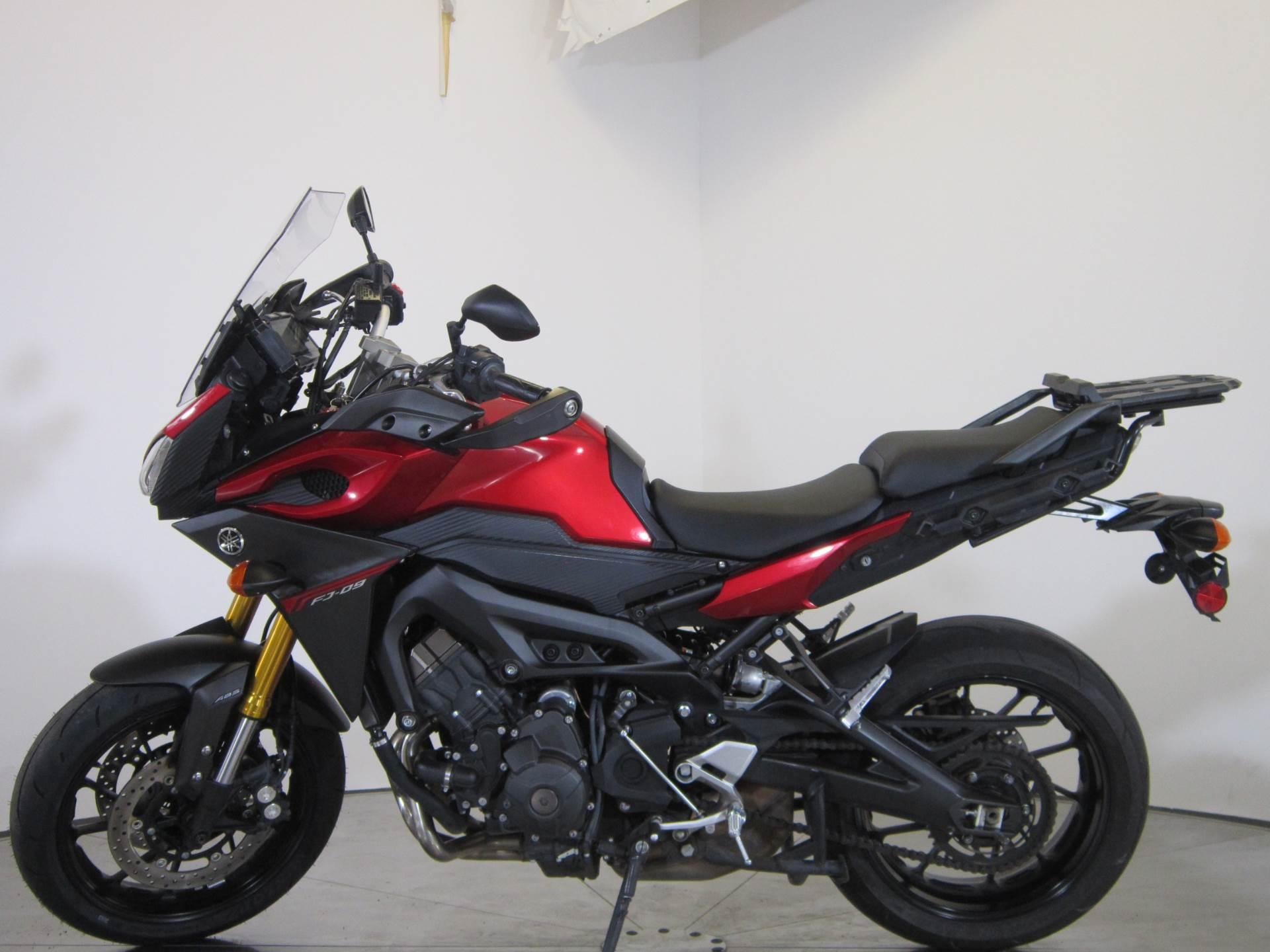 2015 Yamaha FJ-09 4