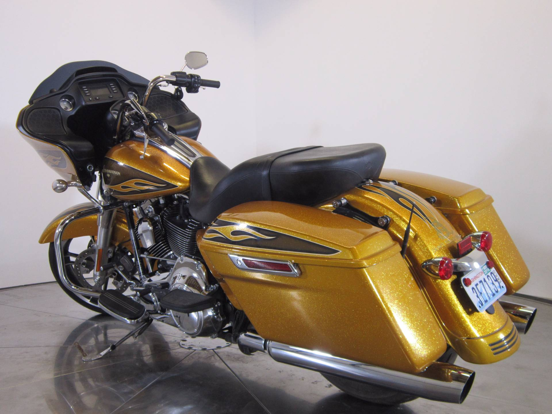 2016 Harley-Davidson Street Glide® in Greenwood Village, Colorado