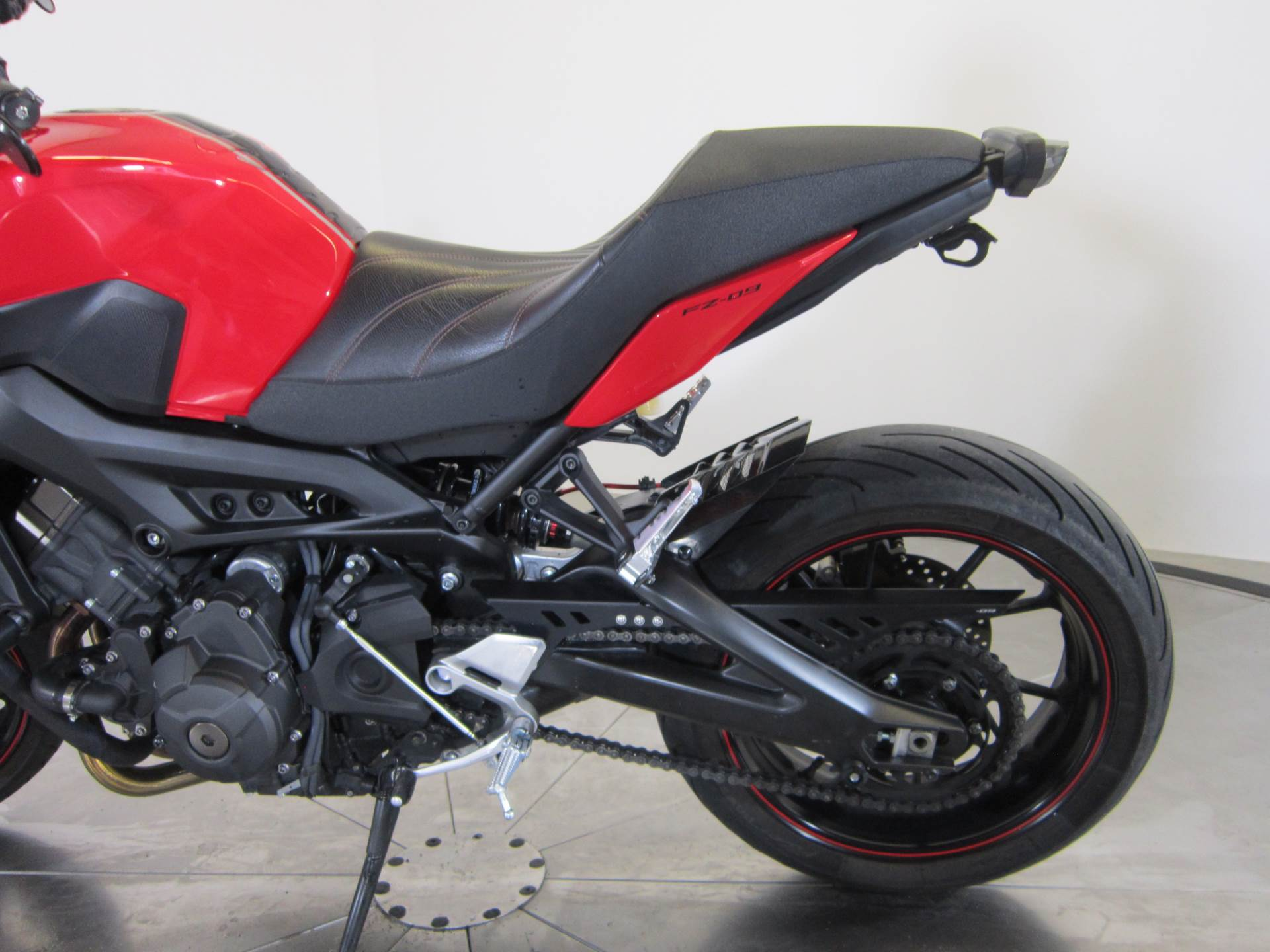 2014 Yamaha FZ-09 10
