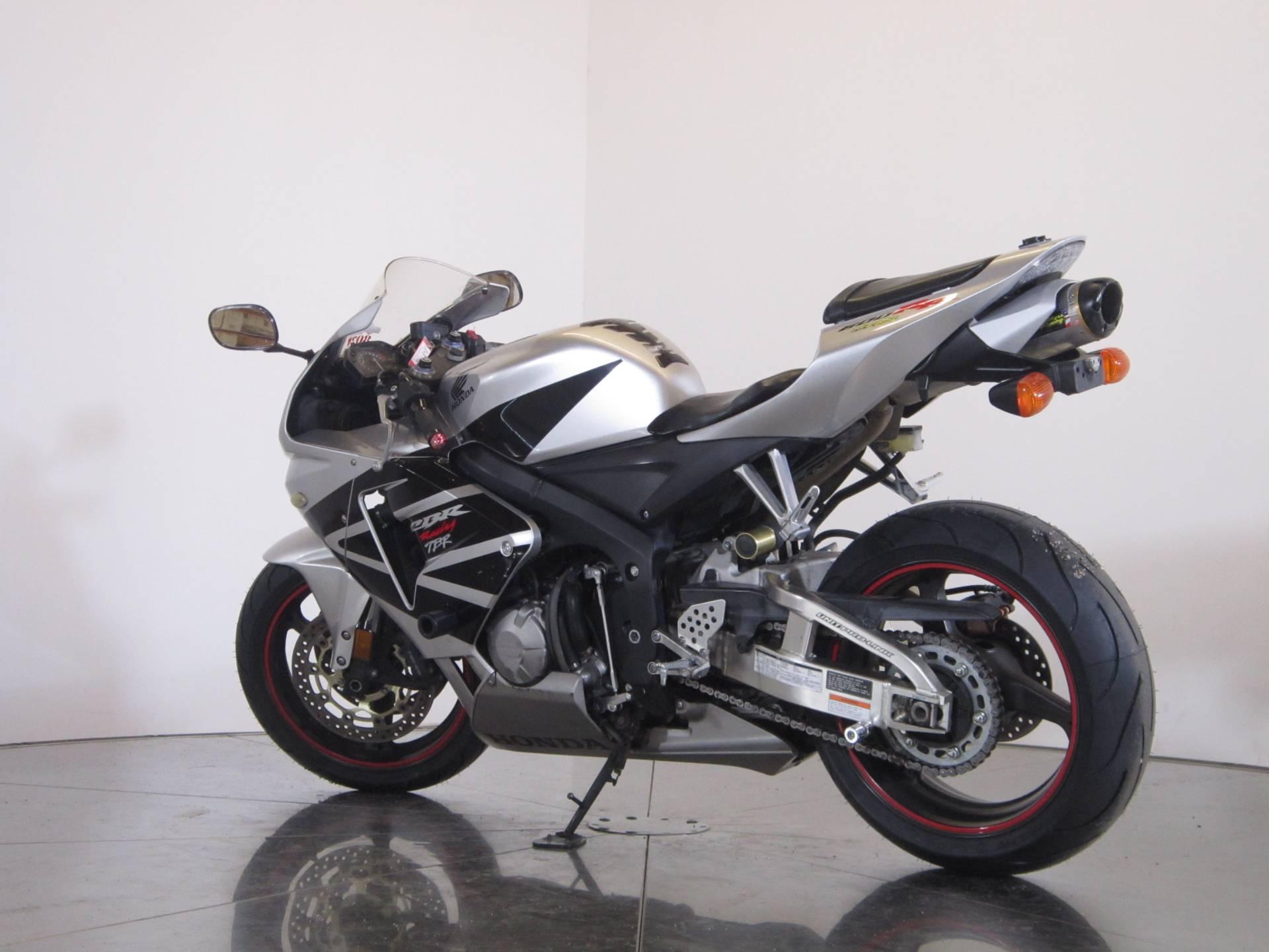 2006 Honda CBR600RR 6