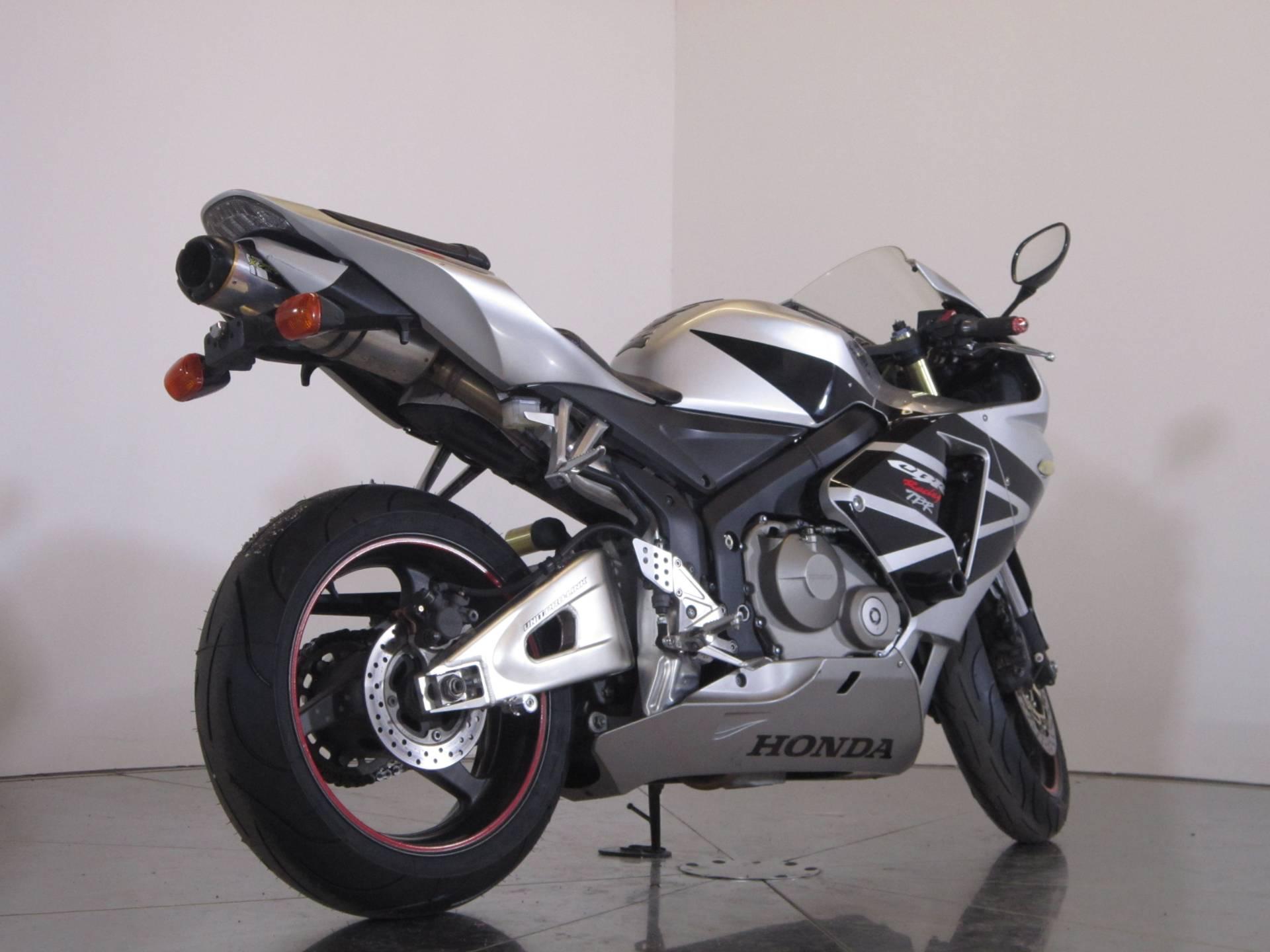 2006 Honda CBR600RR 8