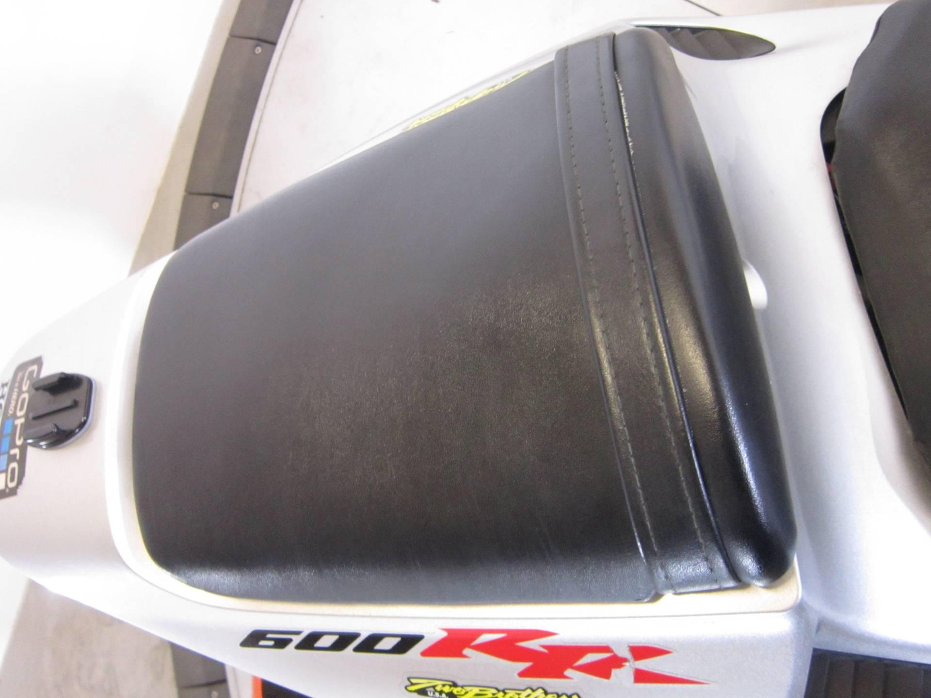 2006 Honda CBR600RR 9