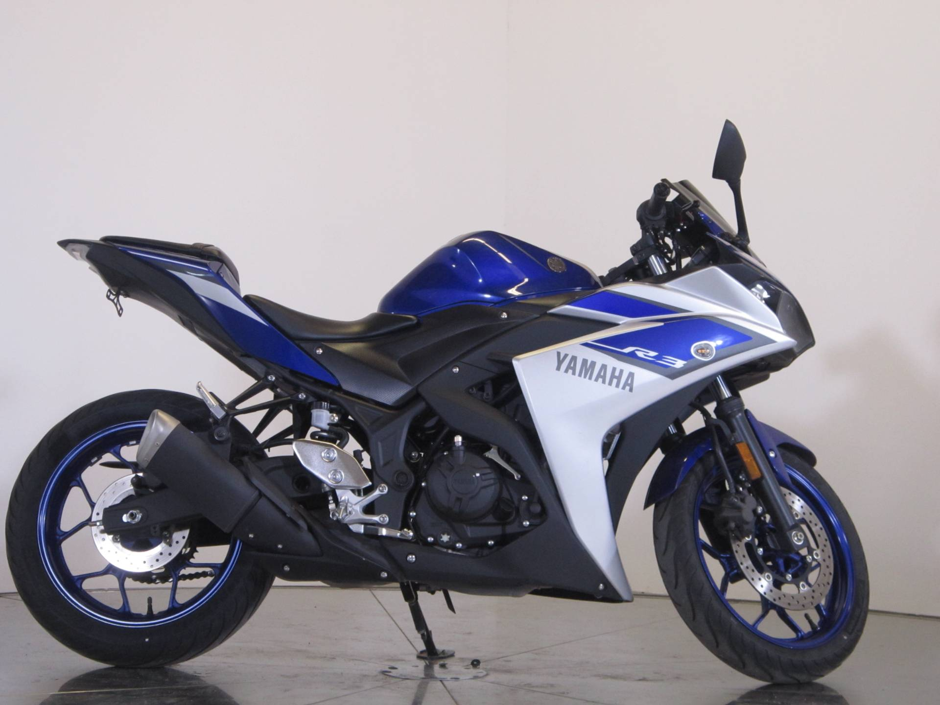 2015 yamaha yzf r3 for sale. Black Bedroom Furniture Sets. Home Design Ideas