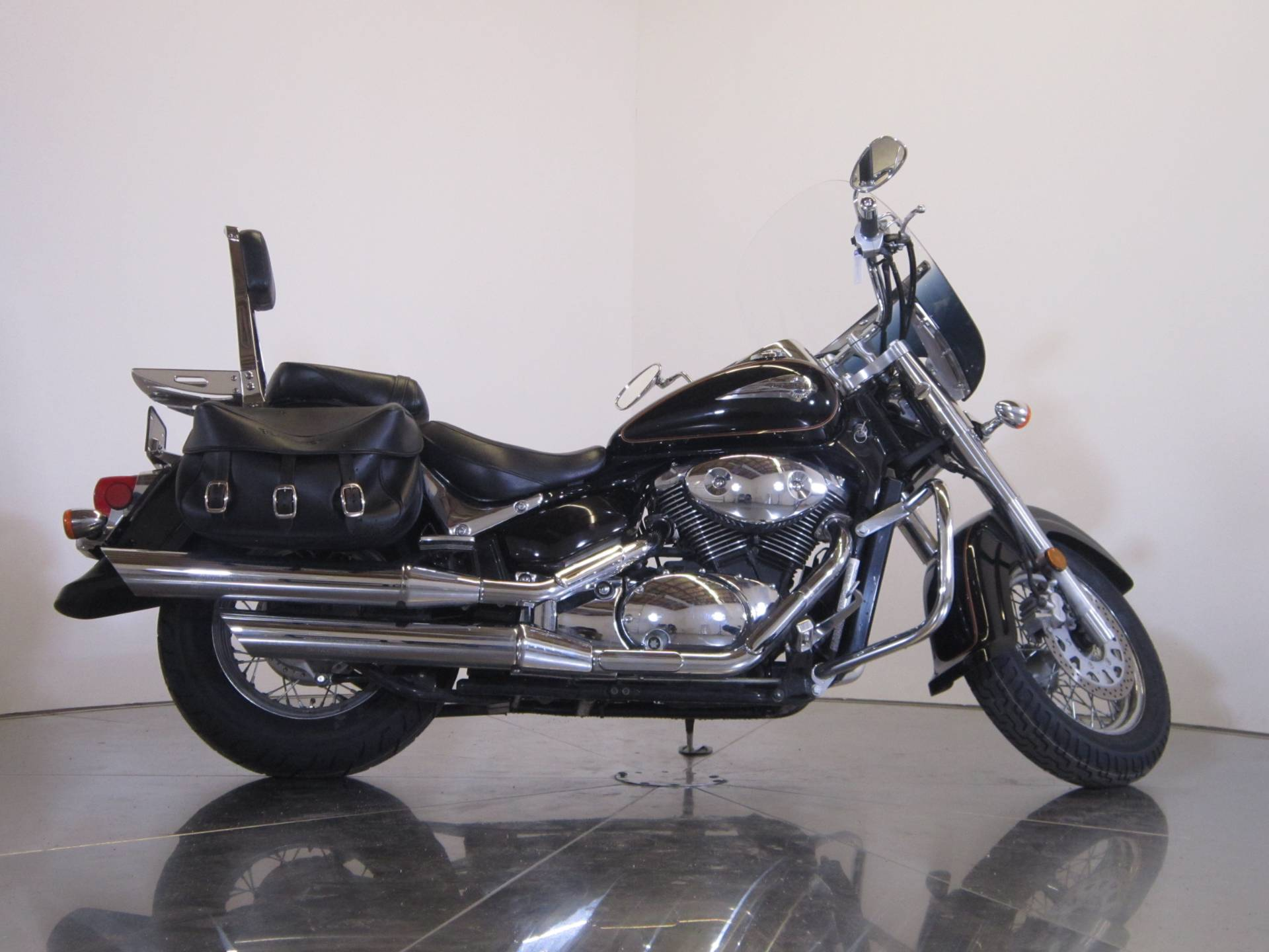 2004 Suzuki Intruder Volusia 800 1