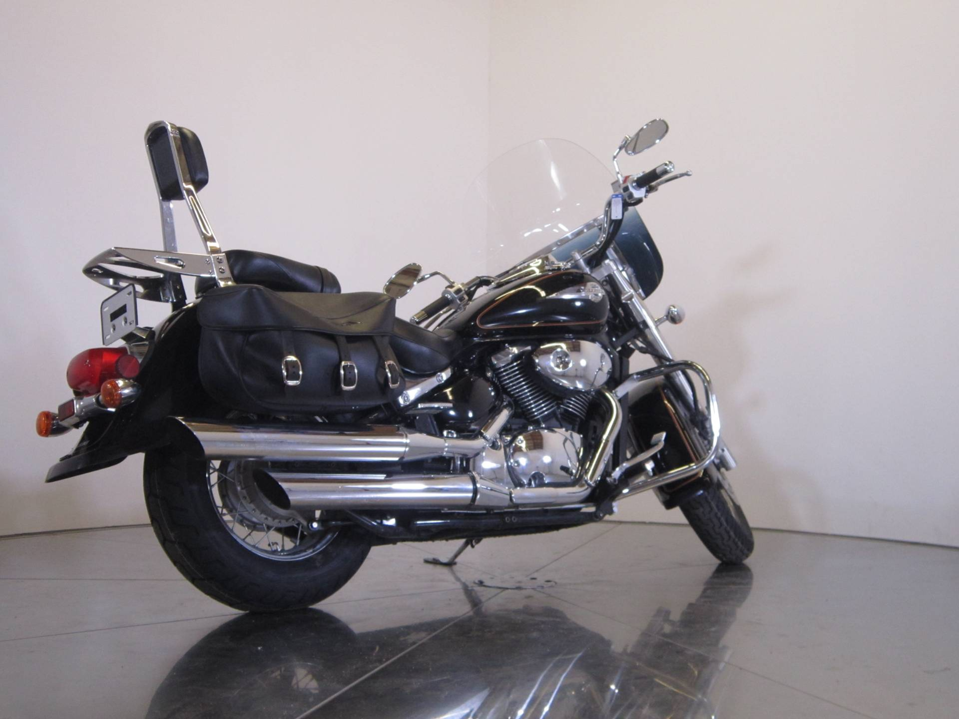 2004 Suzuki Intruder Volusia 800 8