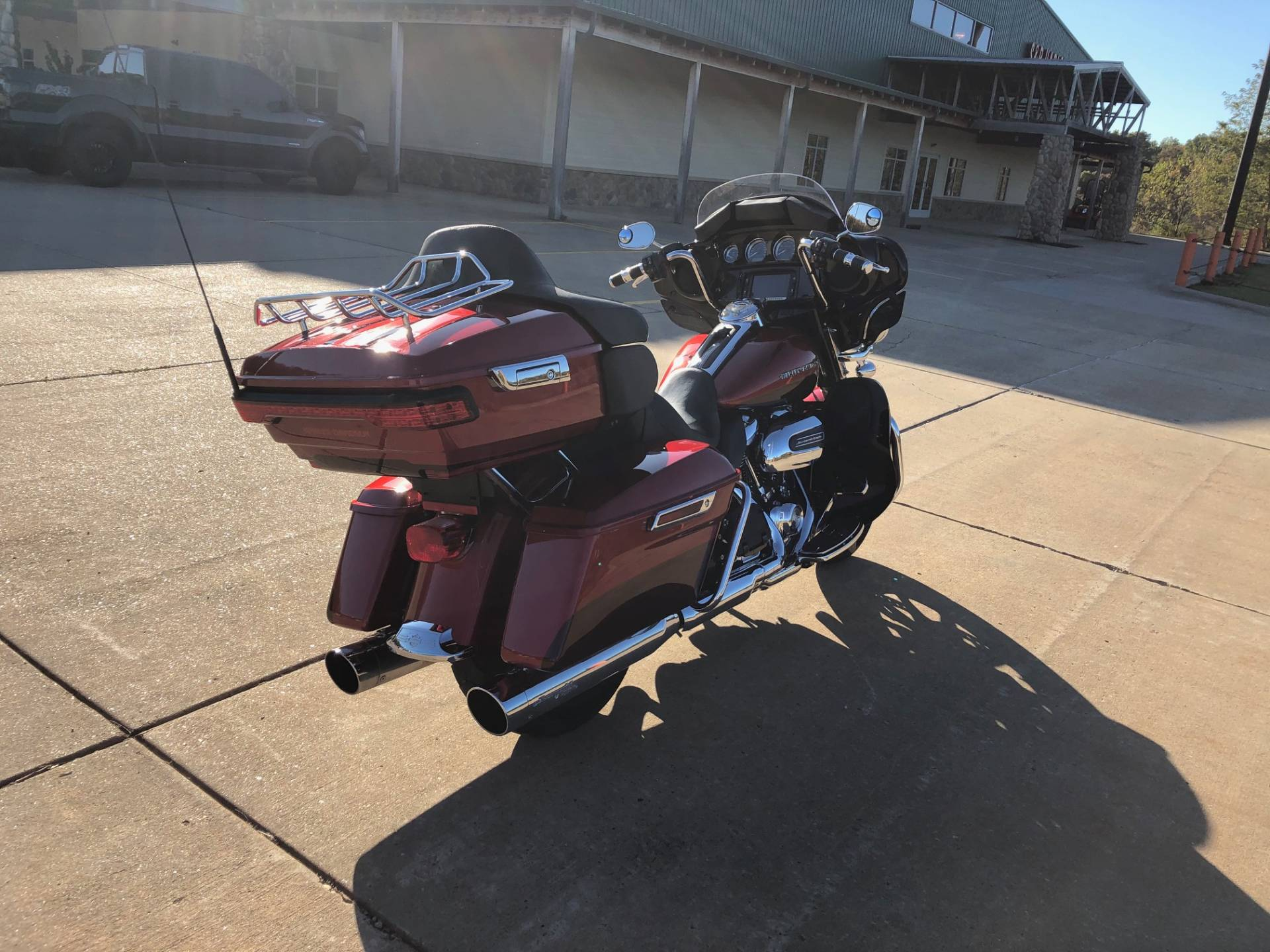 2018 Harley-Davidson Ultra Limited Low in Williamstown, West Virginia - Photo 8