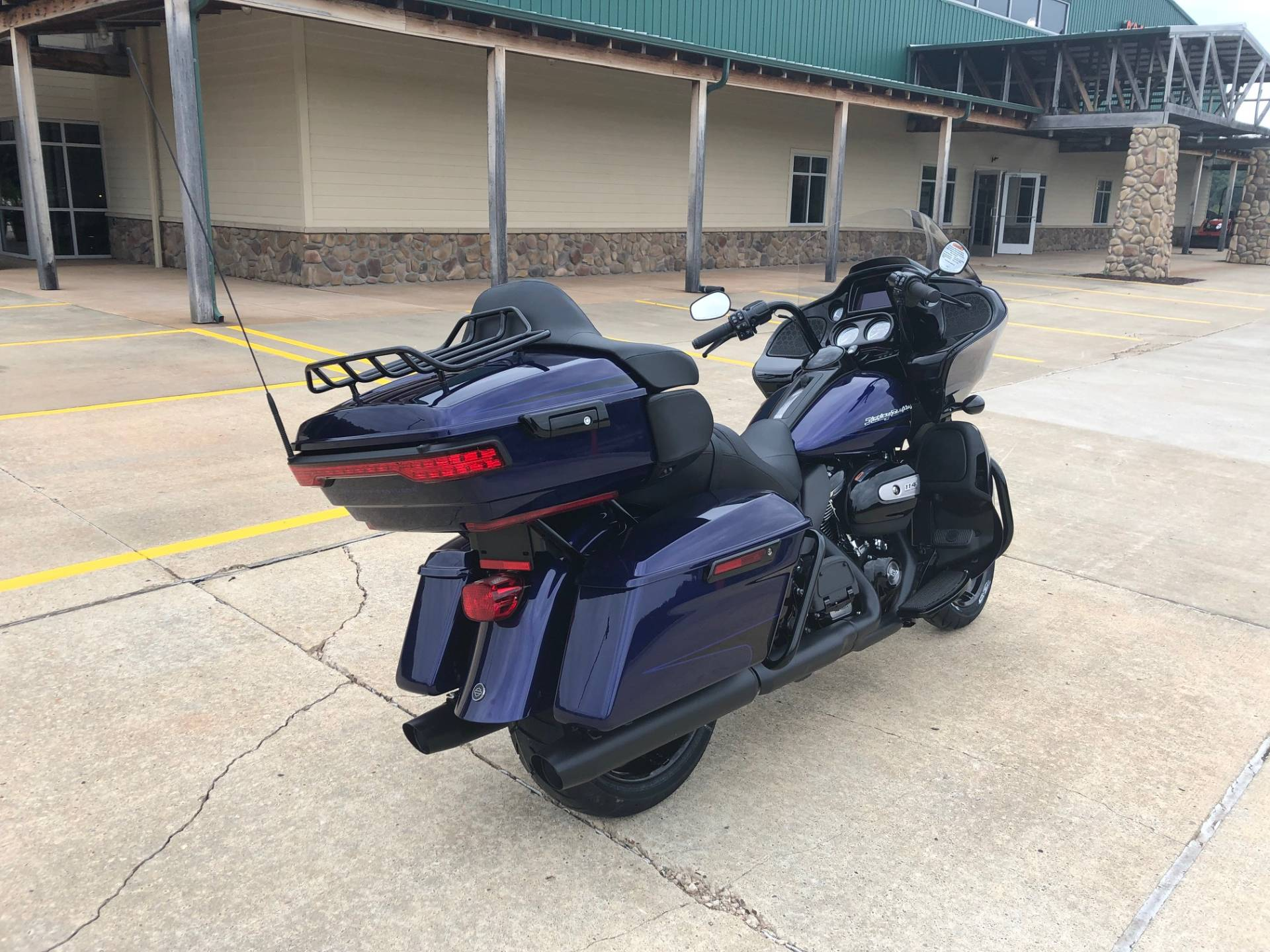 2020 Harley-Davidson Road Glide® Limited in Williamstown, West Virginia - Photo 8