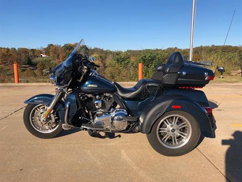 2016 Harley-Davidson Tri-Glide Ultra in Williamstown, West Virginia - Photo 5