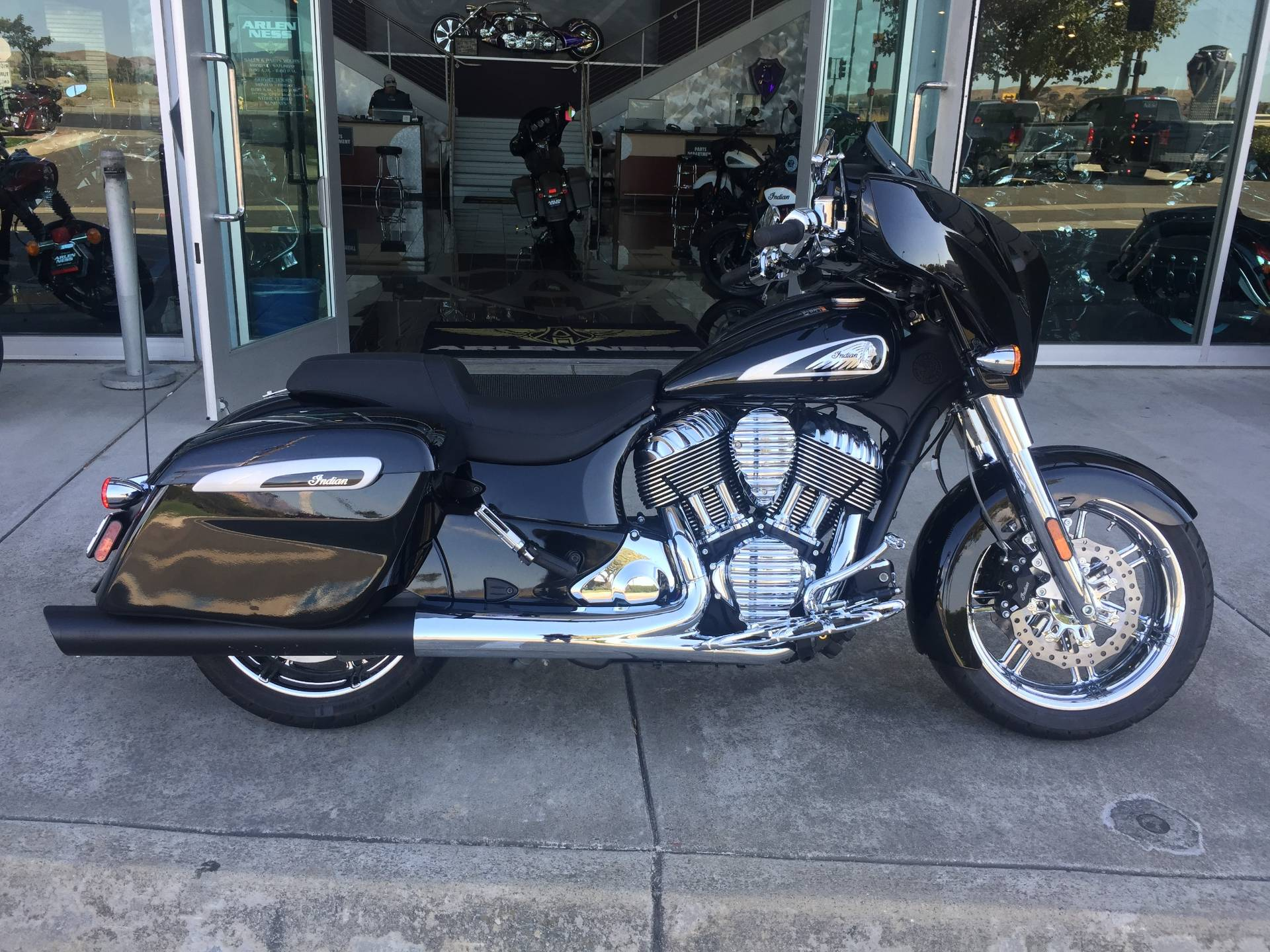 2019 Indian CHIEFTAIN LIMITED in Dublin, California - Photo 4
