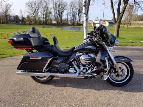 2014 Harley-Davidson Electra Glide® Ultra Classic® in De Forest, Wisconsin