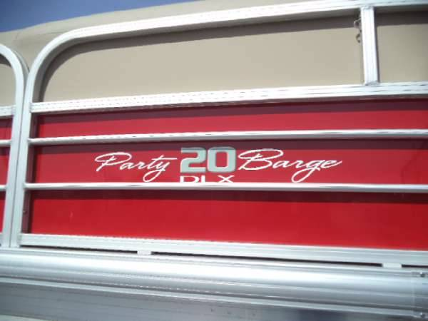 2017 Sun Tracker Party Barge 20 DLX in De Forest, Wisconsin