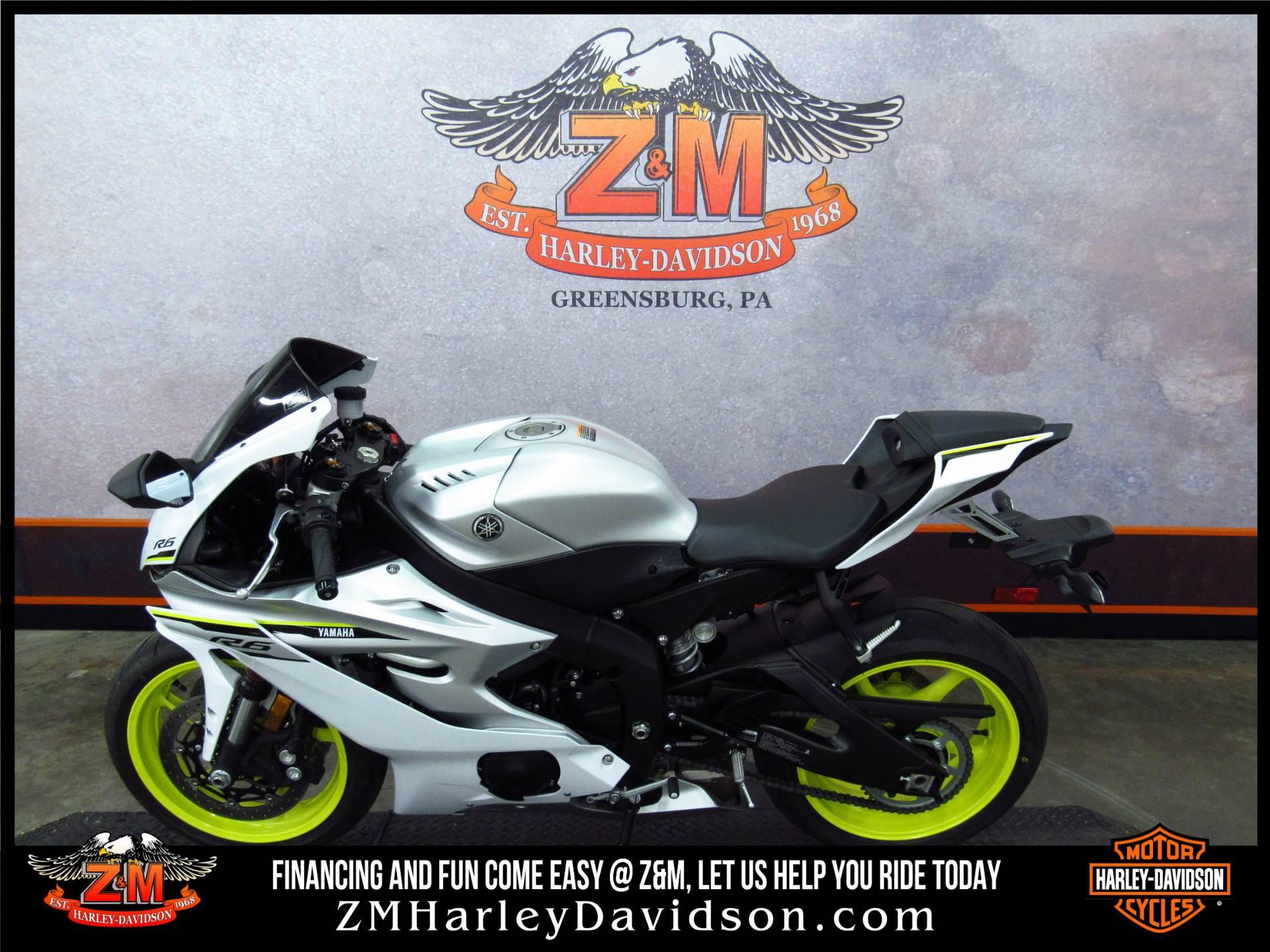 2017 Yamaha YZF-R6 4