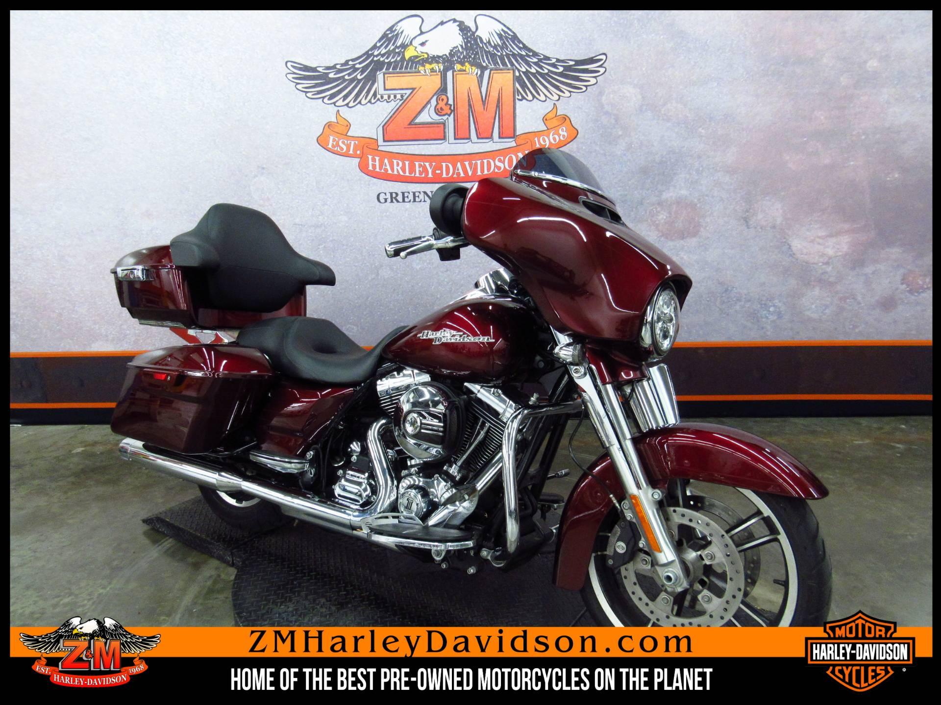 2014 Harley-Davidson Street Glide Special 2