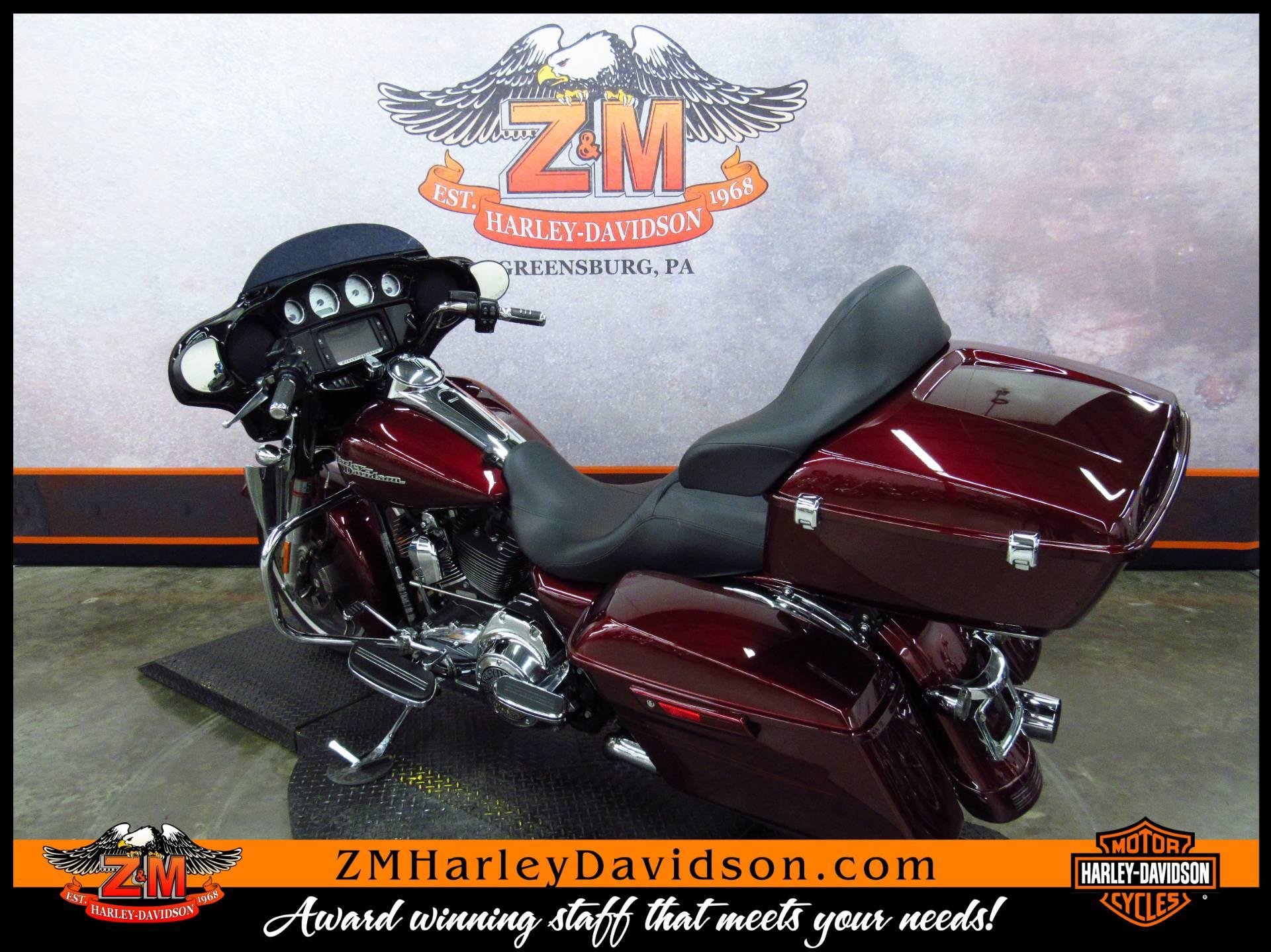 2014 Harley-Davidson Street Glide Special 6