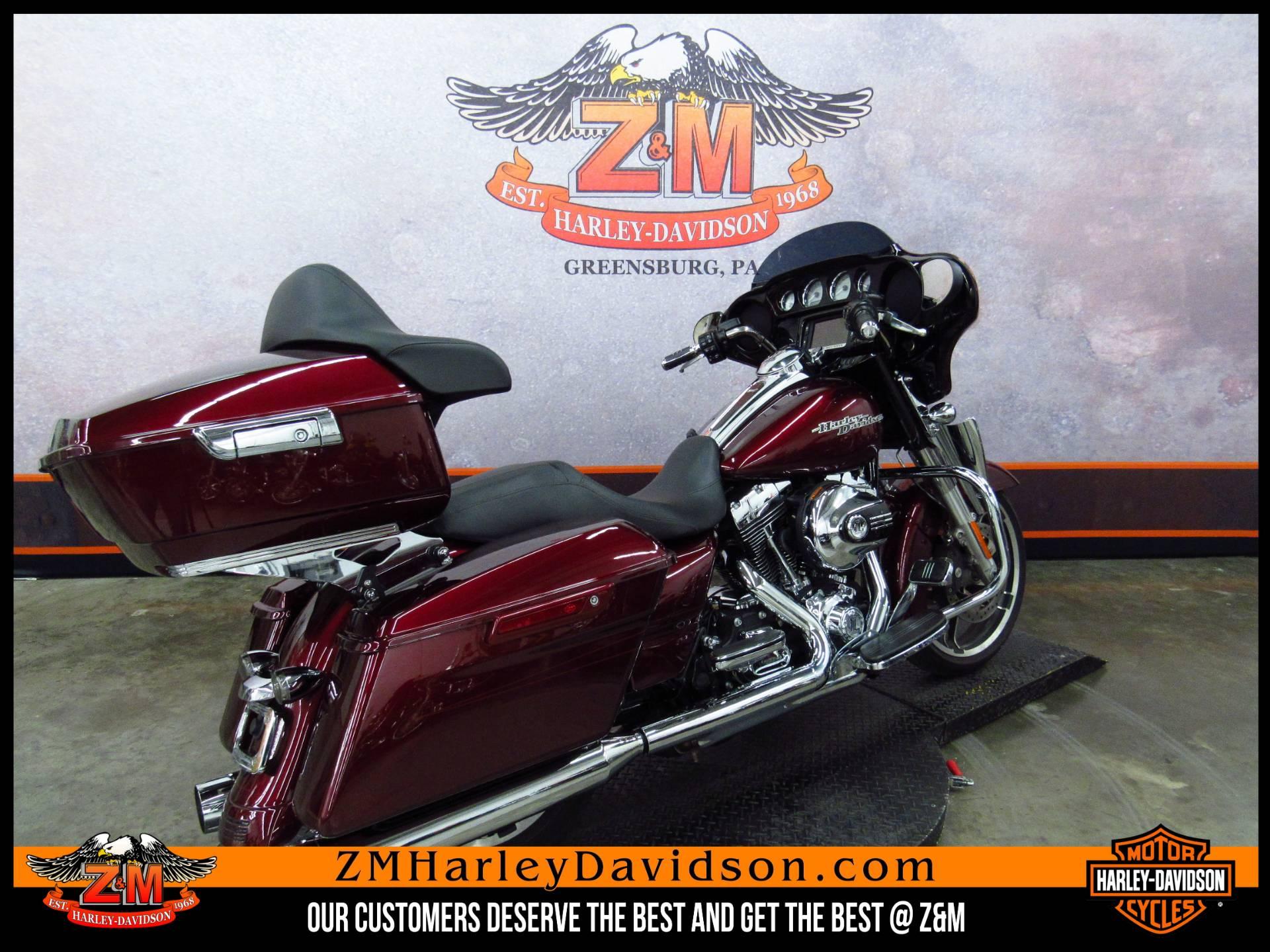 2014 Harley-Davidson Street Glide Special 3
