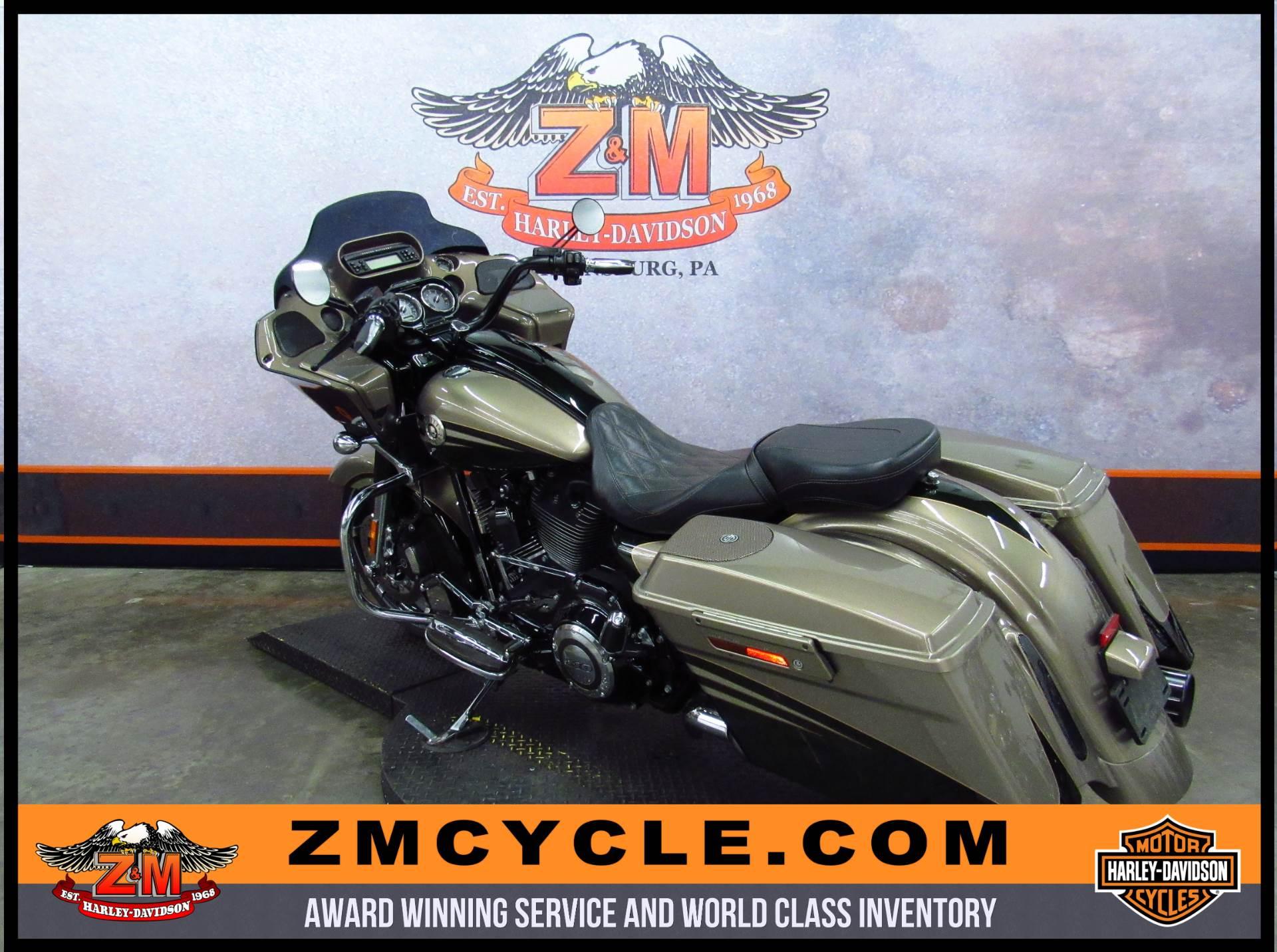 2013 Harley-Davidson CVO Road Glide Custom 6
