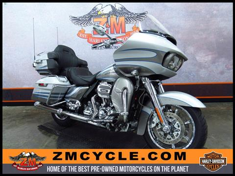 2016 Harley-Davidson CVO™ Road Glide™ Ultra in Greensburg, Pennsylvania