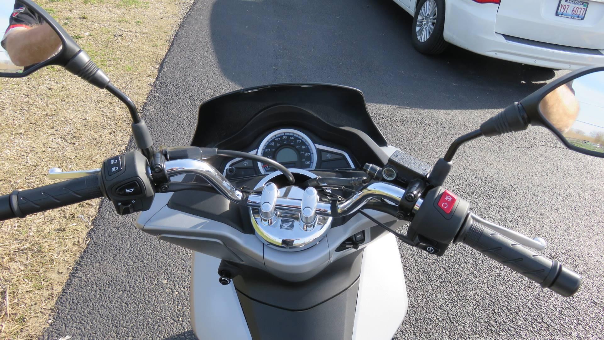 2015 Honda PCX150 in Marengo, Illinois