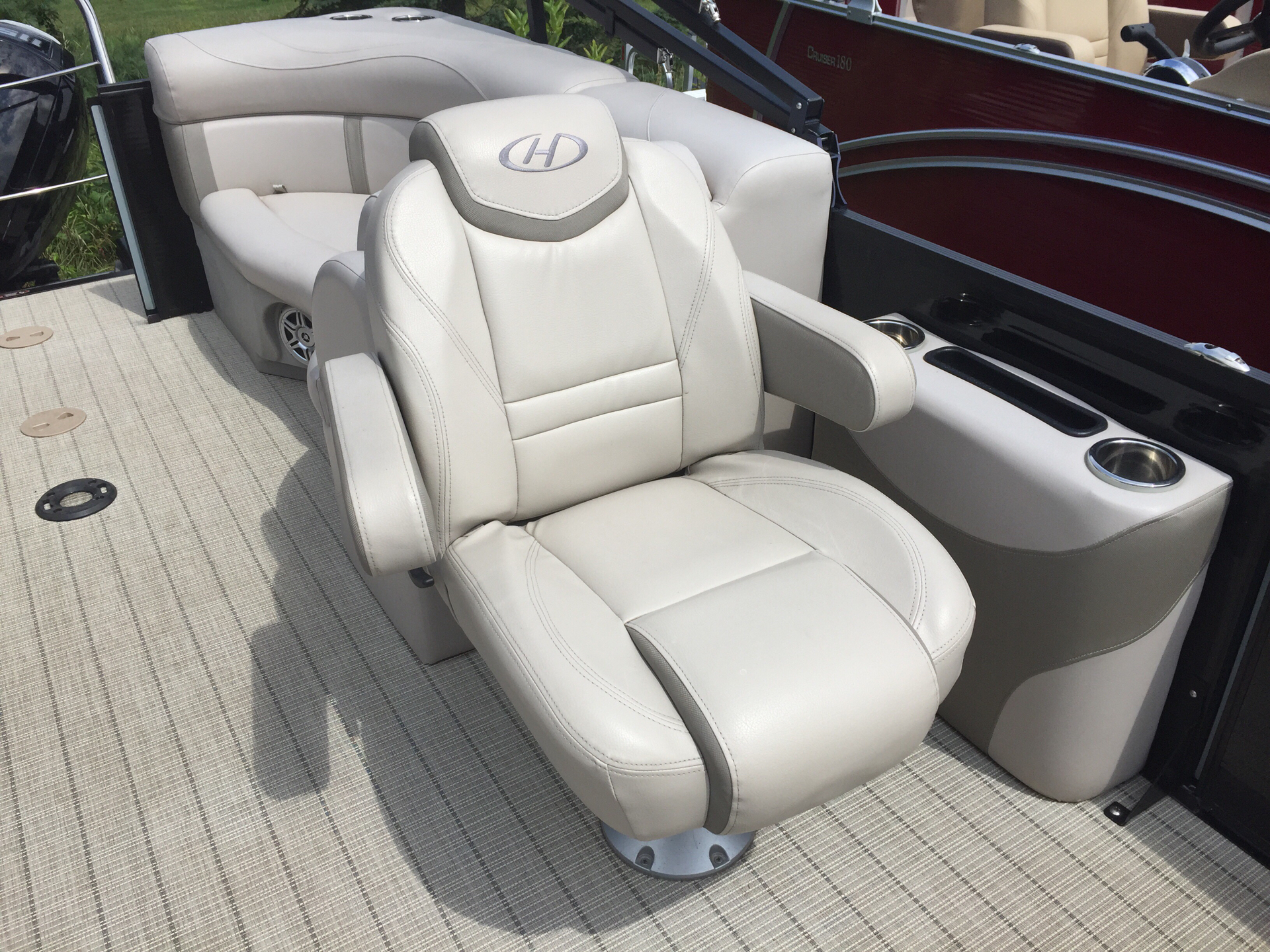 2017 Harris Cruiser 220 in Cable, Wisconsin