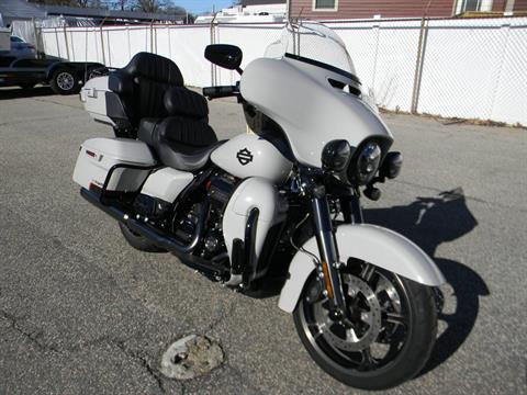 2020 Harley-Davidson CVO™ Limited in Springfield, Massachusetts - Photo 2