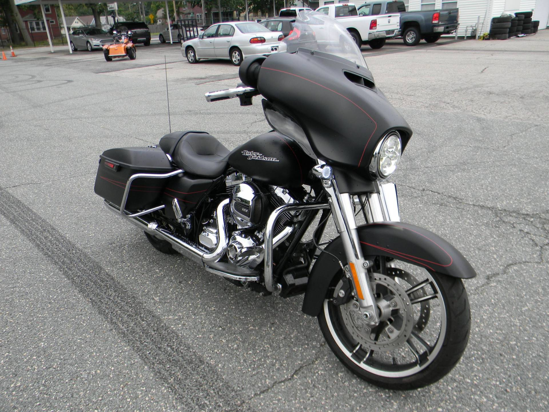 2016 Harley-Davidson Street Glide® Special in Springfield, Massachusetts - Photo 2