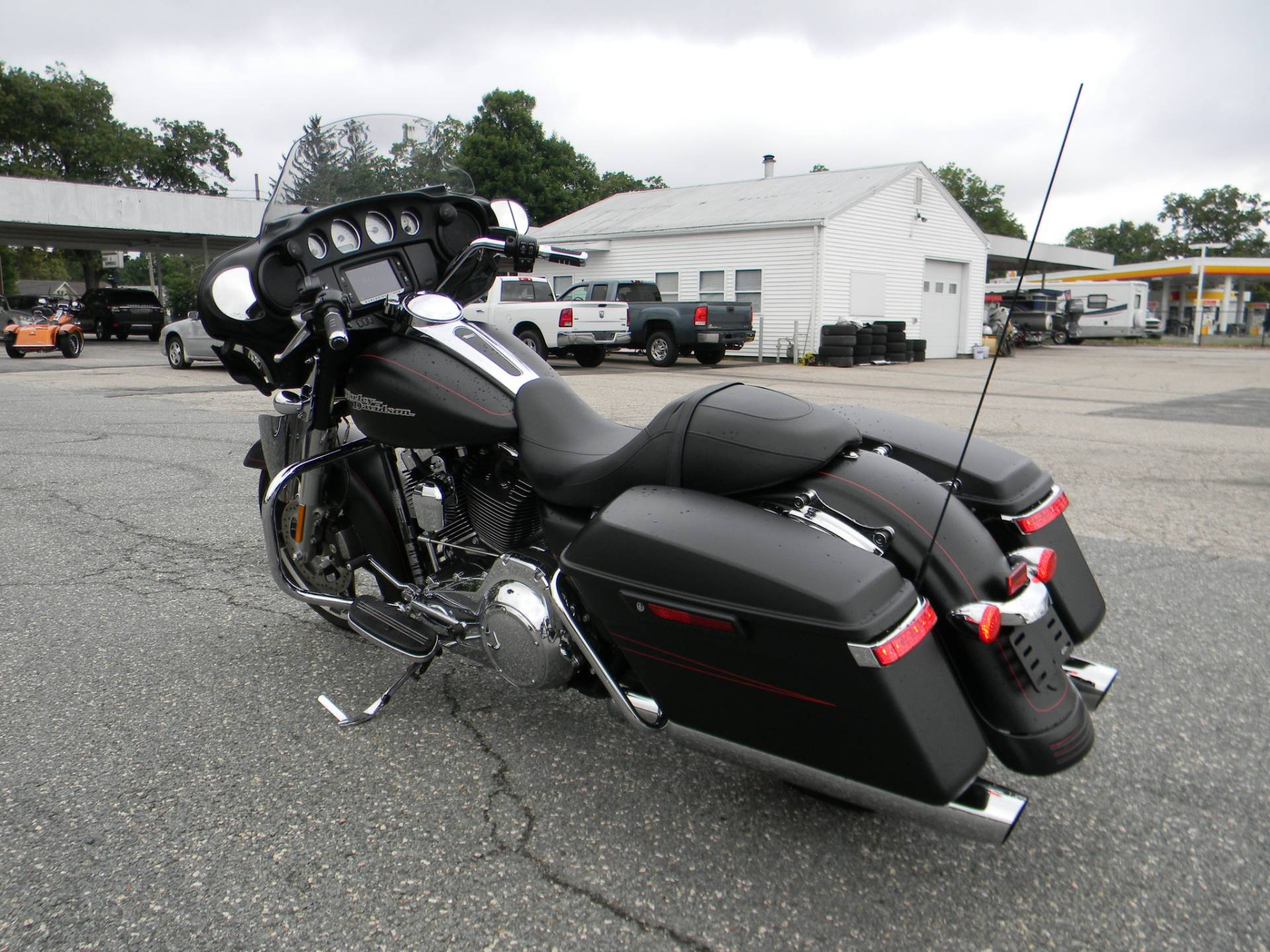 2016 Harley-Davidson Street Glide® Special in Springfield, Massachusetts - Photo 8