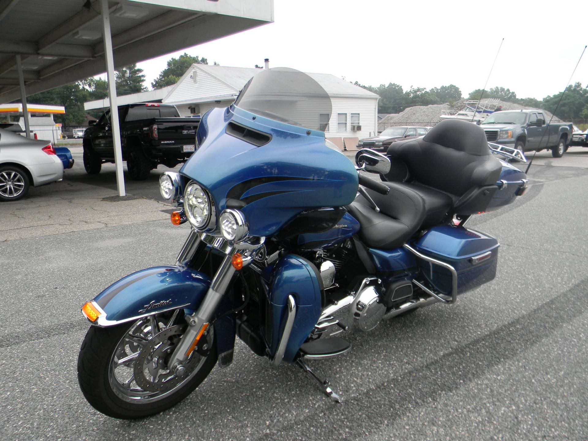 2014 Harley-Davidson Ultra Limited in Springfield, Massachusetts